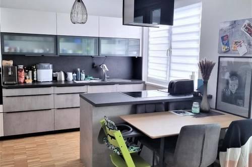 Tolle Dachterrassenwohnung in Grünlage- ideal für Familien!