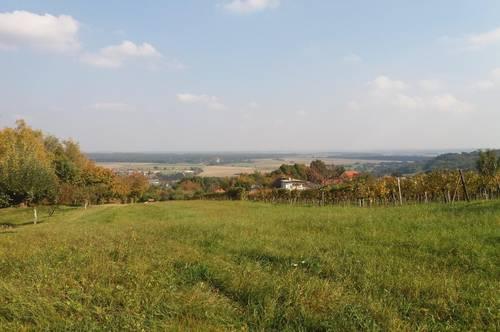 Strem: Grundstück mit herrlichem Ausblick