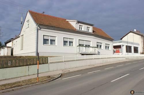 Wohnhaus mit ehem. Erzeugungsbetrieb und Hallen