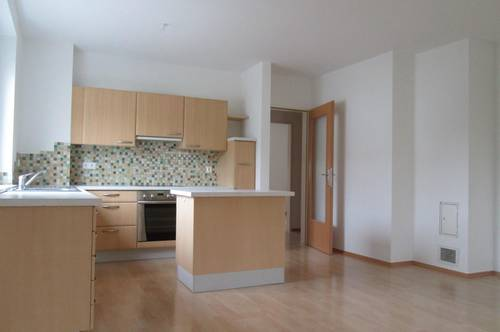 Jennersdorf: provisionsfrei, helle Wohnung mit Balkon