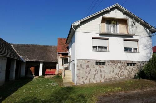Unterkellertes, bezugsfertiges Einfamilienhaus mit Nebengebäude