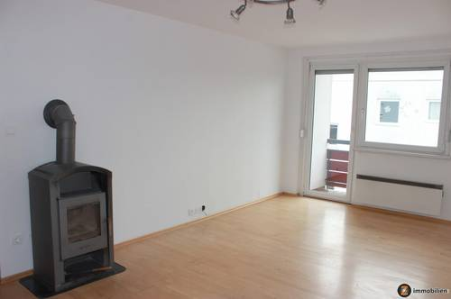 Stegersbach: 2 Zimmer Wohnung mit 2 Balkonen im Zentrum