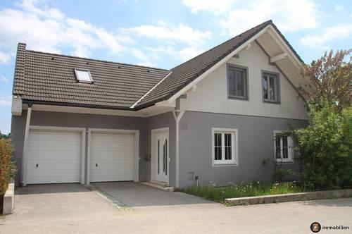 Wunderschönes, großes Einfamilienhaus in ruhiger Lage!