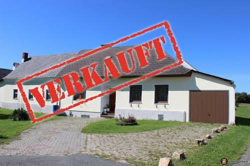 ERFOLGREICH VERMITTELT - Vierkanthof mit großem Nebengebäude
