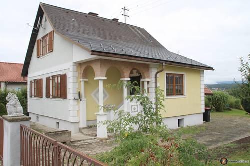 Schönes, künstlerisch gestaltetes Einfamilienhaus in ruhiger Seitengasse