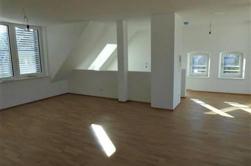 Neue große im Dachgeschoss ausgebaute Mietwohnung mit Loggia direkt im Ortszentrum von 2763 Pernitz