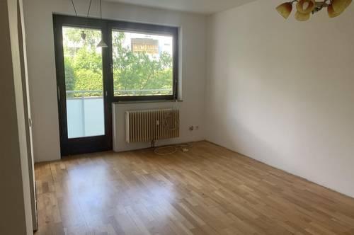 2 Zimmer mit Balkon und Küche - AB sofort