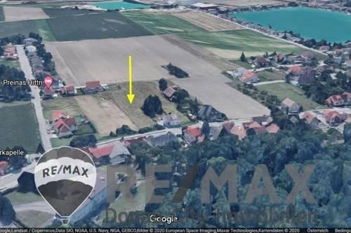 <b>&quot;Rarität: Baugrund (ohne Bauzwang) in Leobendorf - mit einem Fuß im Grünen&quot;</b>