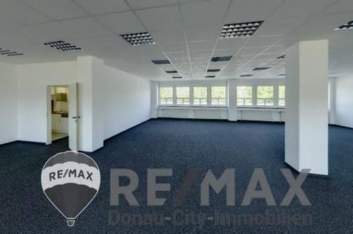<b>&quot;Büro 257 m², Lager 888 m²!&quot;</b>