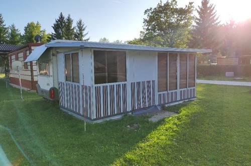 Leben auf der Sonnenseite, ca. 30 m² mit Wohnwagen (Knaus) und fixem Alu-Vorzelt (2020), voll eingerichtet, VB: 12.000 €