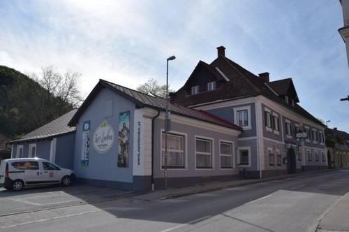 Gasthaus, Bar, Veranstaltungssaal, Fremdenzimmer,