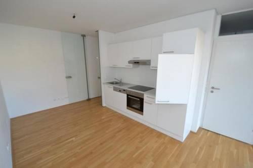 Jakomini - 54 m² - NEUWERTIG - 3 Zimmer - riesiger Balkon - WG fähig