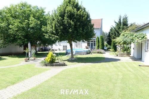 Wohnen, Arbeiten, Vermieten? Großes Haus mit Nebengebäude, schönem Garten, Halle und vielen Möglichkeiten!