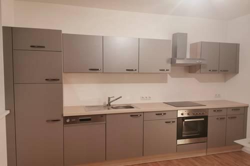 EGGENDORF: Helle Wohnung mit Balkon - ruhige Lage