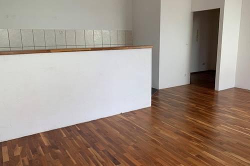 EGGENDORF: Schöne 3 Zimmerwohnung im Erdgeschoß