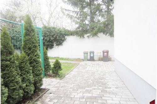 2,5 Zimmerwohnung in einer DHH mit seperaten Eingang zu mieten!
