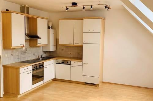 GABLITZ / Zentrum - sonnige 3-Zimmer Mansardenwohnung