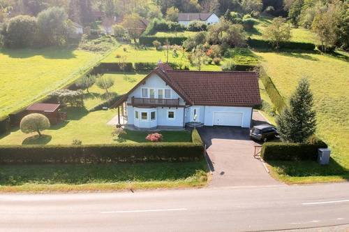 Jennersdorf: Großzügiges 149 m² Wohnhaus  mit 4 Schlafzimmern, großer Garage  und schönem Garten