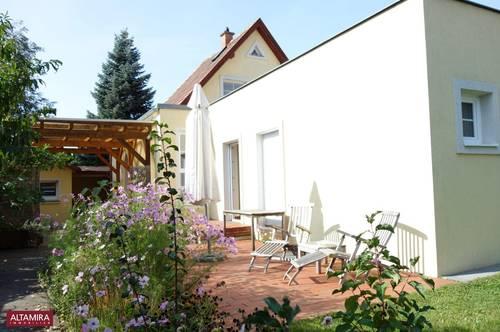 Einfach herrlich! Liebliches Haus mit blühendem Garten an der Wiener Stadtgrenze