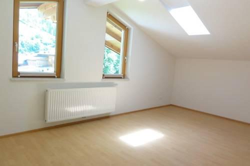 MIETE: SONNEN & RUHELAGE - HERRLICH WOHNEN MIT AUSBLICK ÜBER WIESEN & FELDER - Dachgeschoss Wohnung in St. Johann/Pg. - Ski amadé