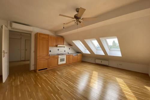 Perfekt aufgeteilte, helle 3-Zimmer-Wohnung mit zwei begehbaren Kleiderschränken – WG geeignet