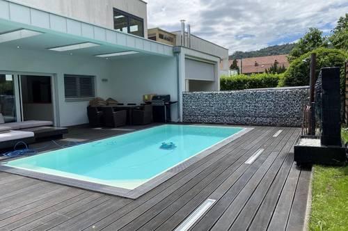Purer Luxus am Fuße des Kehlbergs mit Pool, Sauna und Whirlpool – Exklusives Reihenhaus im Naherholungsgebiet