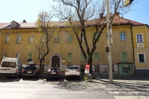 Schönes dreigeschossiges Zinshaus mit beträchtlicher Baureserve in zentraler Grazer Innenstadtlage