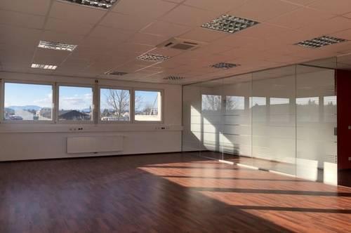 PROVISIONSFREI! Sehr modernes, lichtdurchflutetes Büro im Business-Point Gleisdorf-Süd