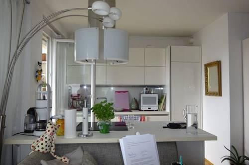 Wunderschöne, moderne 2-Zimmer-Wohnung mit 20 m² Dachterrasse und KFZ-Tiefgaragenabstellplatz im Grazer Bezirk Andritz