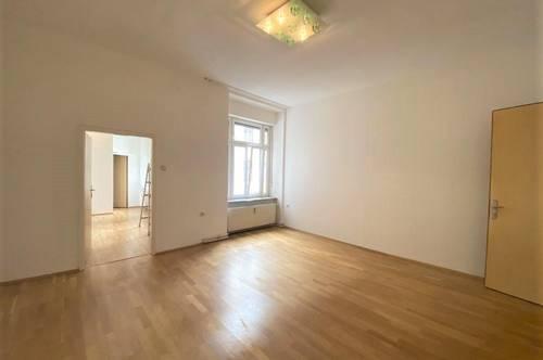 Wunderschöne 2-Zimmer-Wohnung mit Balkon in zentraler Lage im sanierten Altbau