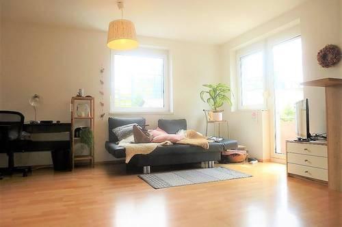 Wunderschöne 2-Zimmer-Wohnung mit Balkon und KFZ-Abstellplatz