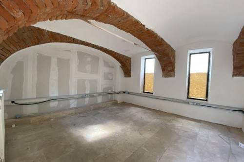 1. Monat mietfrei! Sanierte Gewerbefläche nutzbar als Atelier, Lager oder Büro im zentralen Altbaujuwel in der Weizer Innenstadt - PROVISIONSFREI