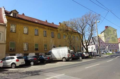 Sehr schönes, zentral gelegenes Zinshaus mit beträchtlicher Baureserve