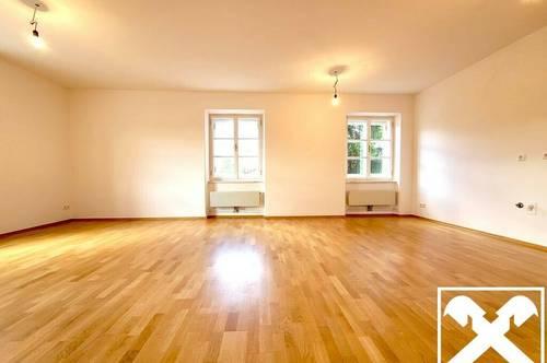 Erstbezug - Sanierte Wohnung mit Altbauflair TOP 1