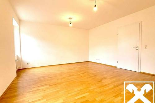Erstbezug - Sanierte Wohnung mit Altbauflair TOP 4
