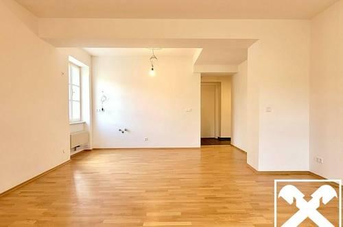 Erstbezug - Sanierte Wohnung mit Altbauflair TOP 5