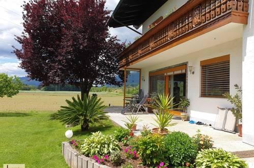 Extrem gepflegtes 2-Familienhaus -Gästezimmervermietung möglich - in idyllischer Sonnenlage mit Fernblick