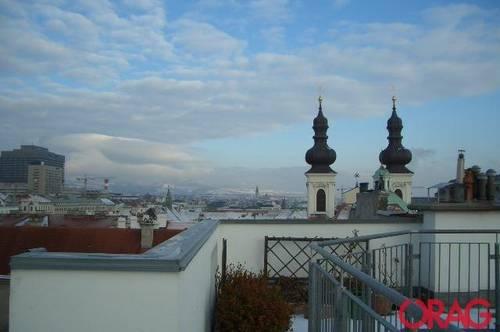 Traumhafte 2-Zimmer-Maisonette-Wohnung mit Terrasse im Innenhof zur Miete in 1080 Wien