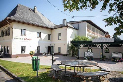 Gastwirtschaft mit Bar und Gastgarten