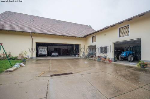 Bauernhaus ca. 210 qm, Nebengebäude ca. 550 qm
