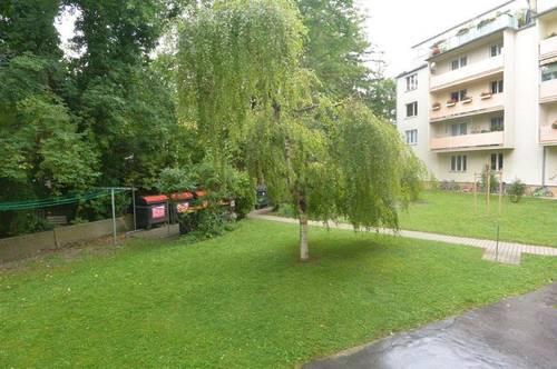 Zentrale, ruhige und großzügige ca. 63 m² große 2 Zimmerwohnung in Baden Stadt!