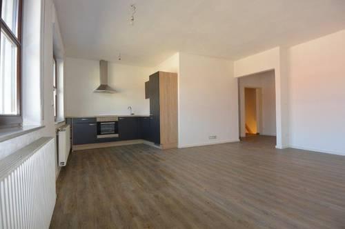 Schöne 3 Zimmerwohnung + Balkon + Gartenmitbenützung in Velm!