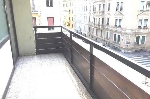 UNI-Nähe! Studentenhit! 3-Zimmerwohnung mit 2 Balkone!