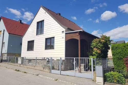 * * * ERFOLGREICH VERMITTELT * * * Wohnhaus mit Potential in ruhiger Siedlungslage von Göllersdorf.