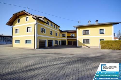 2 sehr große Wohnhäuser mit über 600m² Wohnfläche und fast 160m² Garagenfläche in Pichlwang