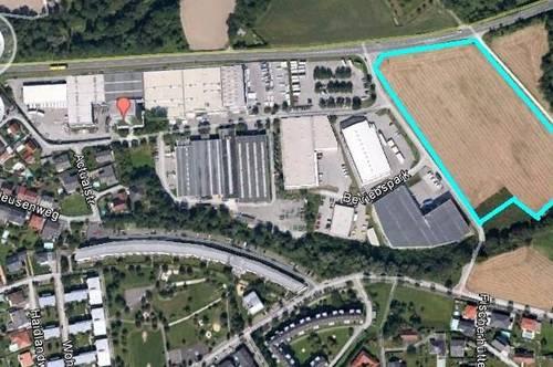 Gewerbegrundstück nahe der Autobahnauffahrt  noch 15.000 m2 verfügbar. Eventuell 23.000 m2 -B-Widmung