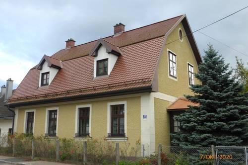 Älteres Wohnhaus im Stil einer Landvilla
