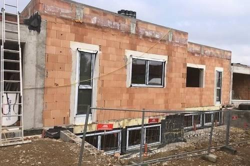 4  Doppelhaushälften mit Flachdach  im Bau -  Fertigstellung September 2021  Schöner Ausblick