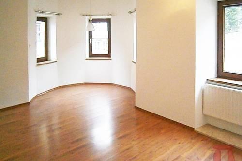 Charmante, großzügige 2-Zimmer-Wohnung