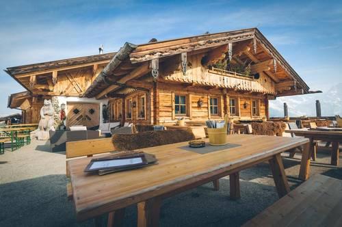 Traditionelle Skihütte direkt am Lift